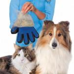 Перчатка для вычесывания шерсти домашних животных True Touch в Краснодаре